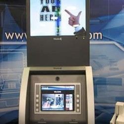 digital-signage-at-atm-1